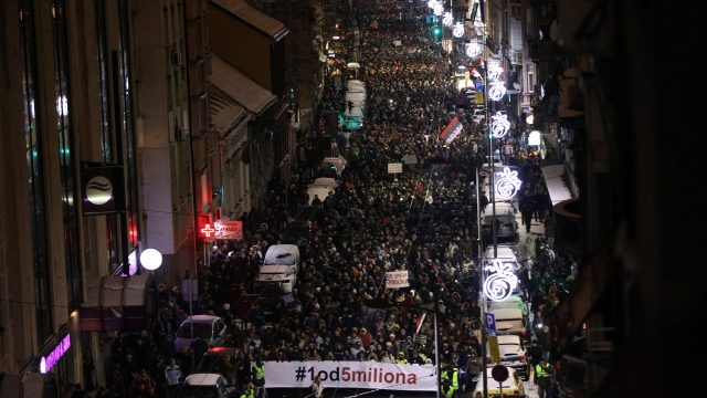 2019-01-12T182624Z_1326821471_RC112DB32F30_RTRMADP_3_SERBIA-PROTESTS.jpg