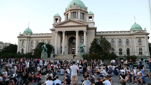 2020-07-09T185107Z_1595167972_RC2UPH9EO28E_RTRMADP_3_HEALTH-CORONAVIRUS-SERBIA-PROTESTS.jpg