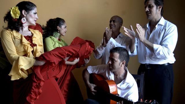 Compañía-flamenca-ECOS-bailarinas-y-músicos.png