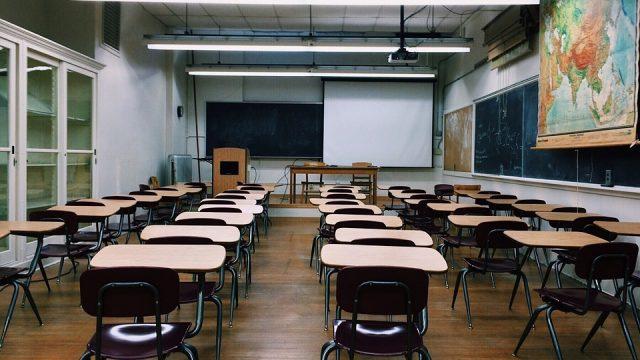 classroom-2093743_960_720.jpg